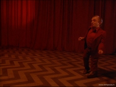 www.twinpeaks.tv - Man from Another Place Dancing Red Room